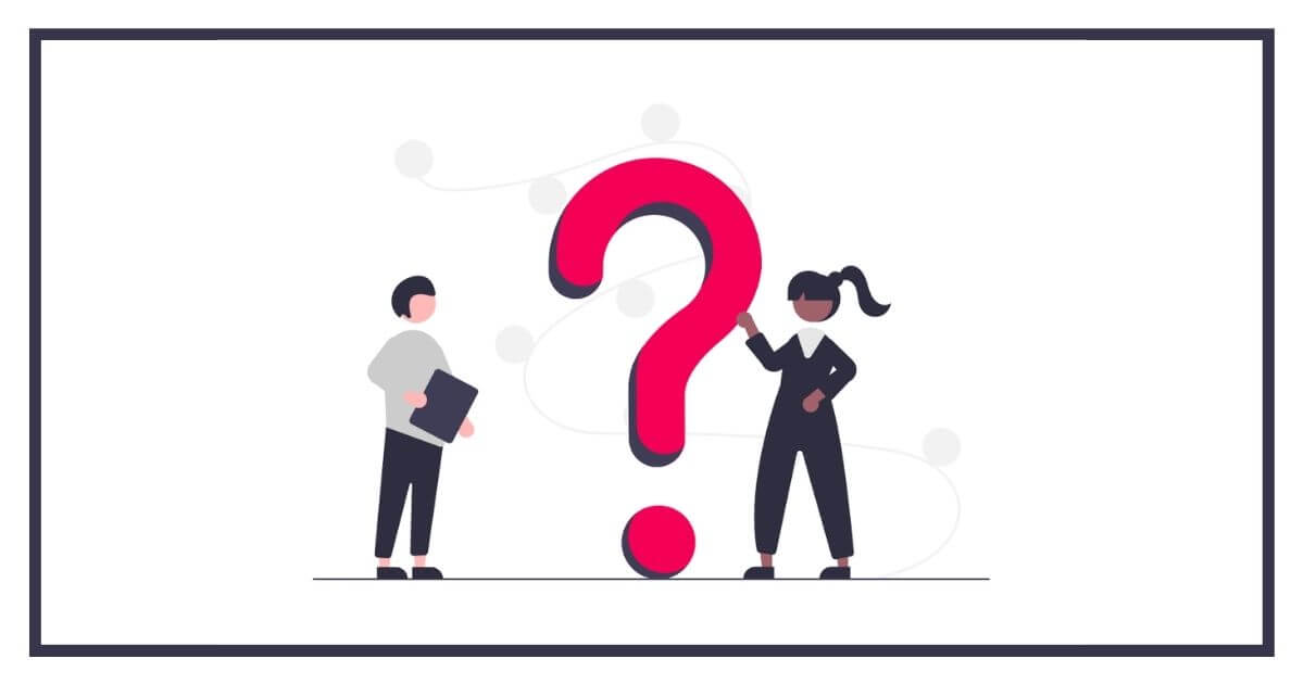 質問をする男性と答える女性